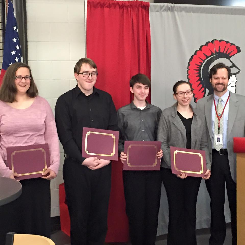 In partnership with the Livonia Early Risers Kiwanis Club 4 seniors received certificates of appreciation for their leadership efforts along with a 2 in 1 laptop! Congrats and THANK YOU Kiwanis for your support of our school district!